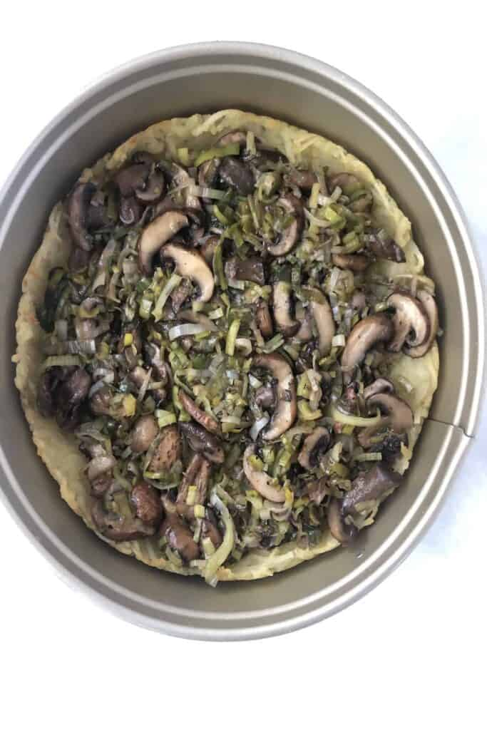 mushroom and leek in quiche