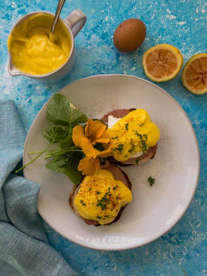 Eggs Benedict with flowers